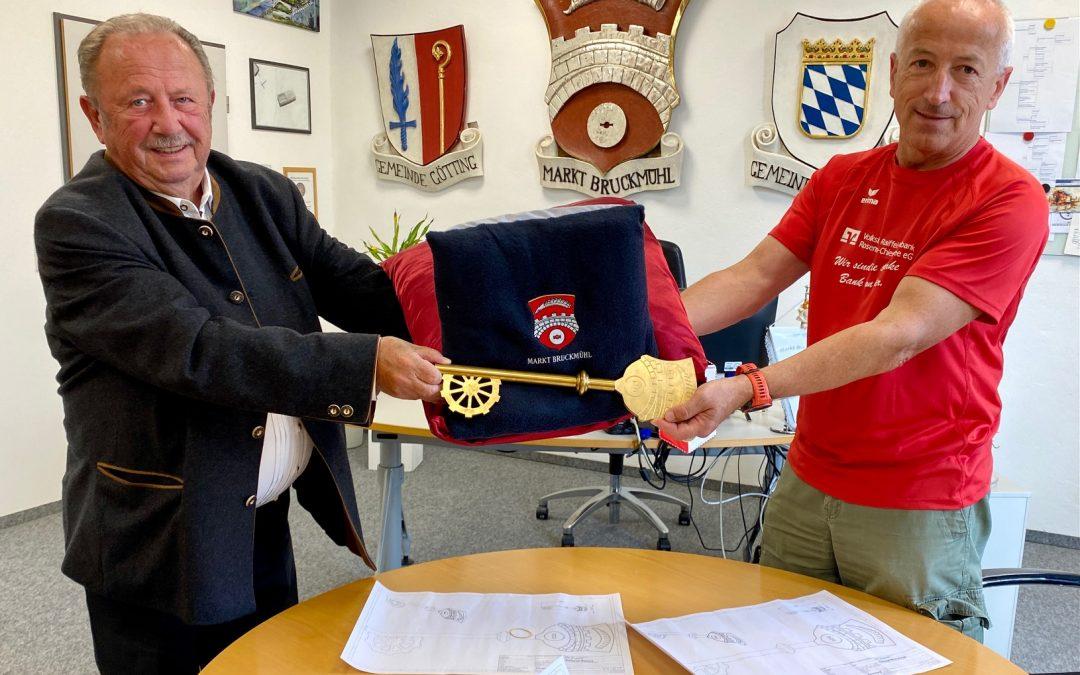Bruckmühl – Rathausschlüssel geht als Botschafter auf Deutschland-Tour