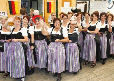 Volksfest Bruckmuehl, Bedienungen