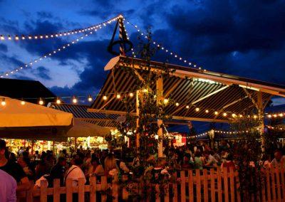 2016 Volksfest Bruckmuehl - Nachtstimmung Biergarten