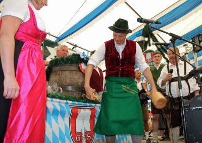 2016-Volksfest-Bruckmuehl-Tag1-Anzapfen