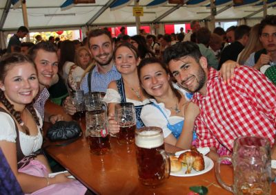 2016-Volksfest-Bruckmuehl-Tag10-beste Stimmung im Zelt
