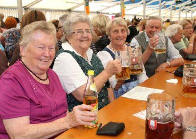 2016-Volksfest-Bruckmuehl-Tag6-Prosit der Gemütlichkeit