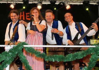 2016-Volksfest-Bruckmuehl-Tag7-Showband Hefe 10 sorgt für gute Stimmung-2
