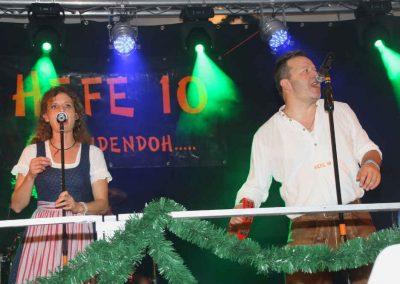 2016-Volksfest-Bruckmuehl-Tag7-Showband Hefe 10 sorgt für gute Stimmung