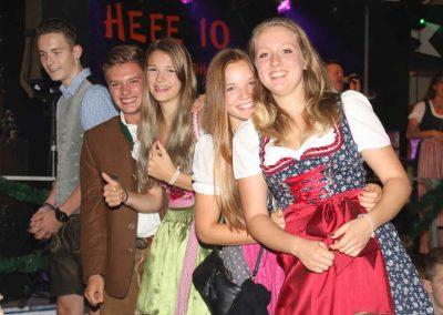 2016-Volksfest-Bruckmuehl-Tag7-gute Stimmung im Zelt