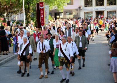 SVB-Volksfest-2018-Einzug SV Bruckmühl mit VIPs